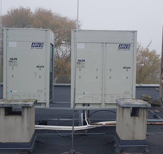 Klimatyzacja w urzędzie miejskim - dach
