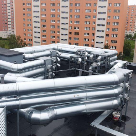 Złożona klimatyzacja na dachu